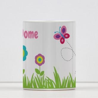 Tazza bambina con fiori e farfalla