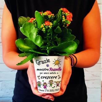 vaso fiori maestra con nomi bambini